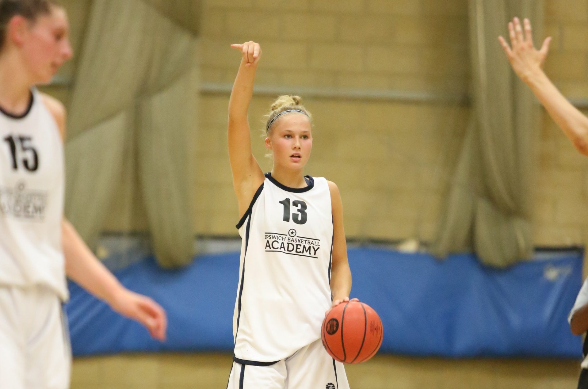 0a22f6b4383 Player of the Week: Esther Little - WEABL - Women's Elite Academy ...